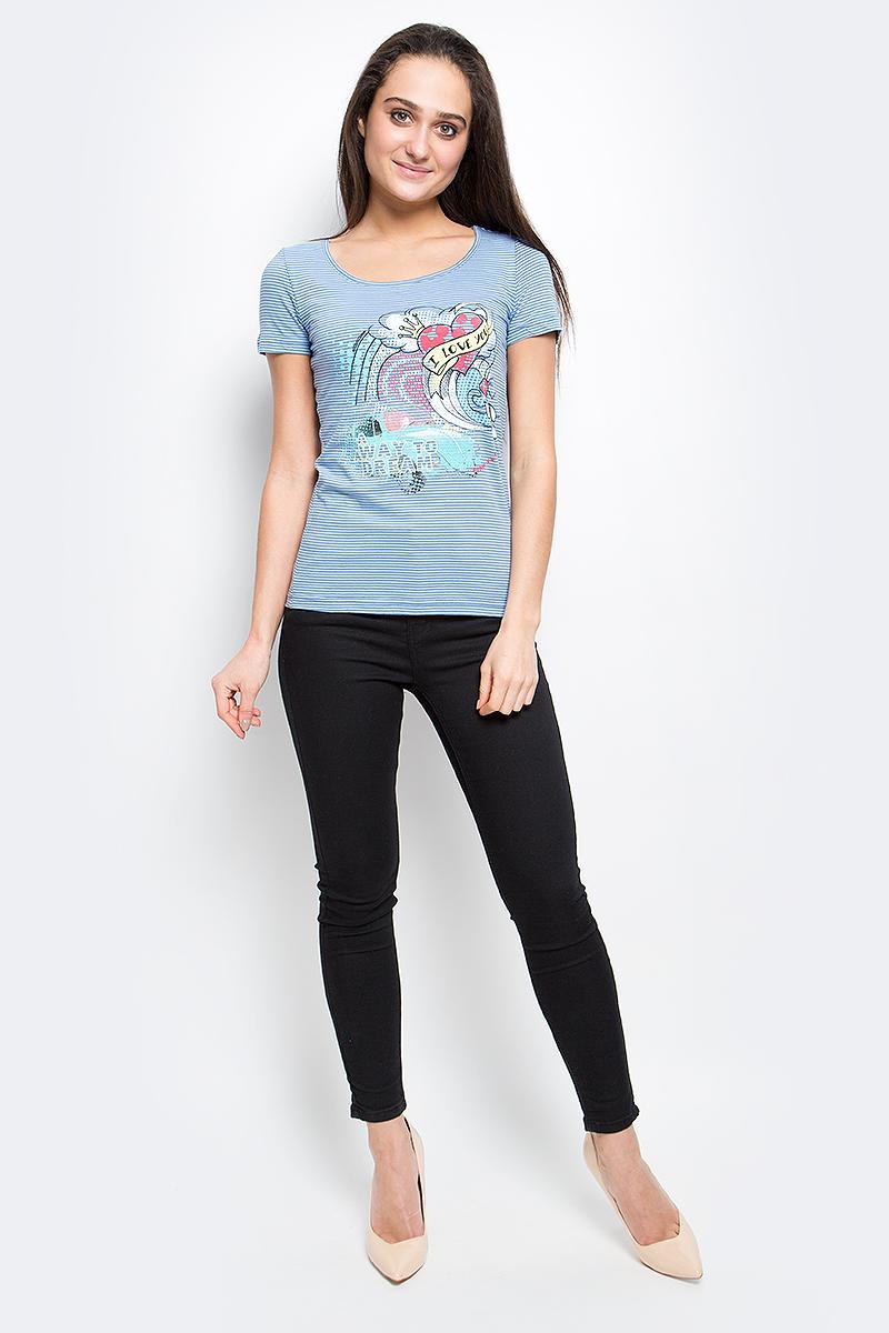 ФутболкаB17-12061_300Женская футболка Finn Flare выполнена из натурального хлопка. Изделие с круглым вырезом горловины и короткими рукавами оформлена ярким интересным принтом.