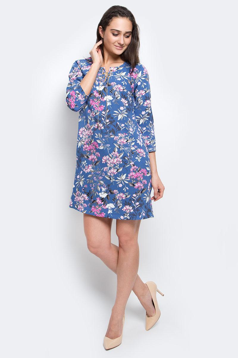 ПлатьеB17-11074_350Модное платье Finn Flare выполнено из 100% полиэстера. Модель с круглым вырезом горловины и рукавами 3/4. Спереди модель дополнена оригинальной металлической шнуровкой. Оформлено изделие цветочным принтом.