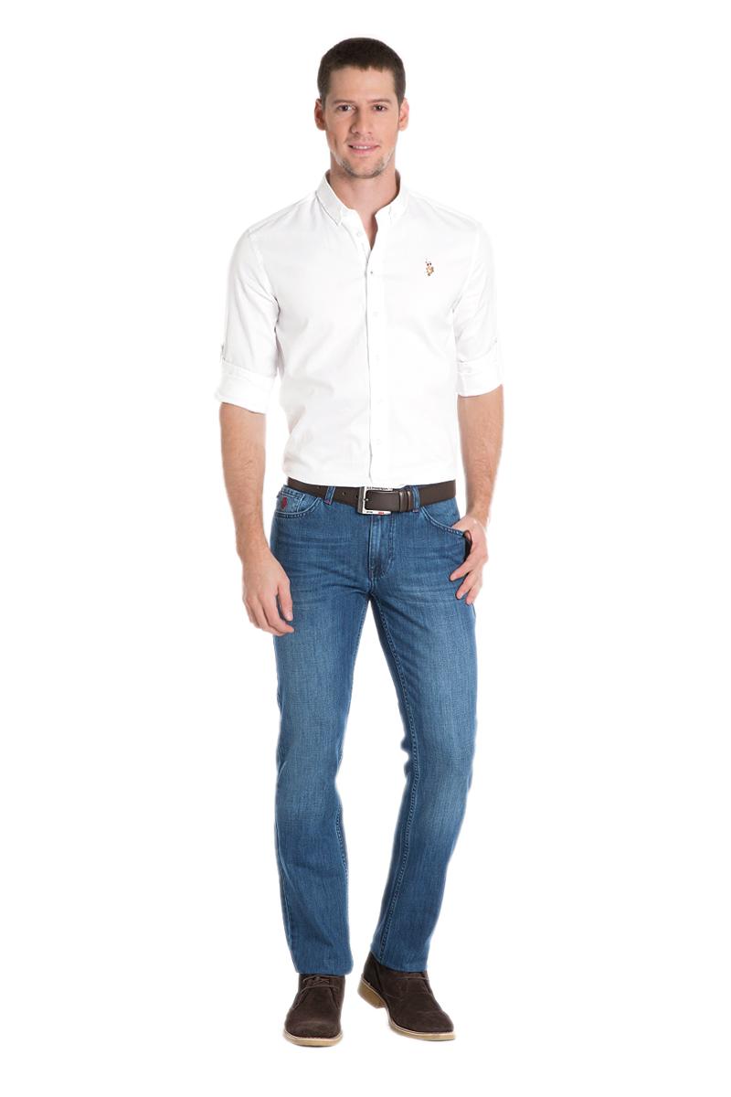ДжинсыG081GL080DUGATARUN-O_DN0022Классические мужские джинсы выполнены из натурального хлопка. Модель застегивается на пуговицу и ширинку на застежке-молнии, имеются шлевки для ремня. Модель имеет классический пятикарманный крой.