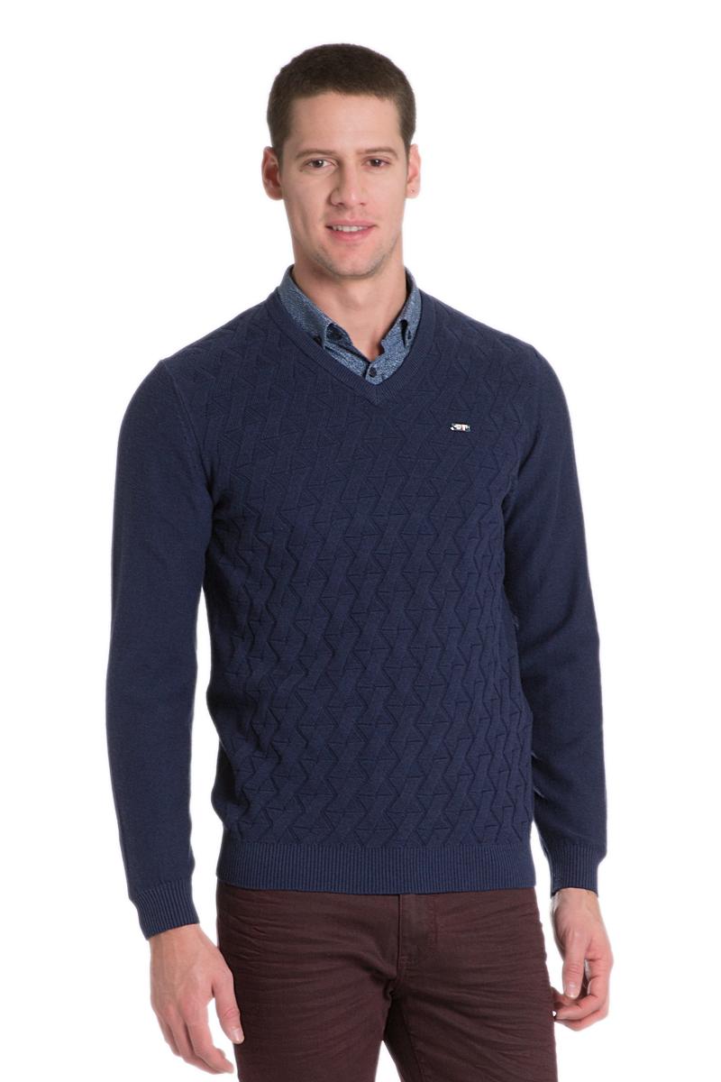 ПуловерG081SZ0TK0JOHN_VR033Мужской пуловер с длинными рукавами и V-образным вырезом горловины выполнен из натурального хлопка. Модель оформлена фактурной вязкой.