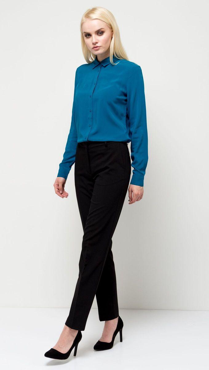Блузка женская Sela, цвет: бирюзовый. B-112/1184-7131. Размер 48B-112/1184-7131Стильная женская блузка Sela выполнена из воздушного материала. Модель прямого кроя с отложным воротничком и длинными рукавами застегивается на пуговицы. Манжеты рукавов также дополнены пуговицами. Блузка подойдет для офиса, прогулок и дружеских встреч и будет отлично сочетаться с джинсами и брюками и гармонично смотреться с юбками. Мягкая ткань комфортна и приятна на ощупь.