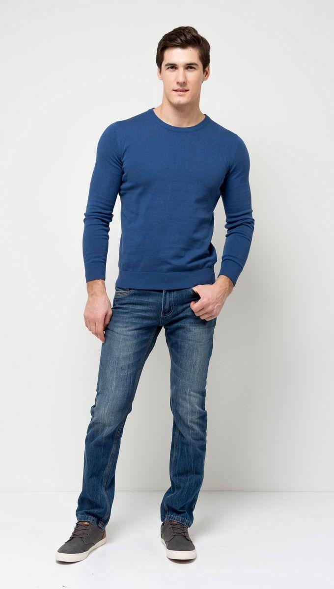 Джемпер мужской Sela, цвет: деним. JR-214/854-7141. Размер XL (52)JR-214/854-7141Стильный мужской джемпер Sela выполнен из натурального хлопка мелкой вязки. Модель полуприлегающего кроя с длинными рукавами подойдет для офиса, прогулок и дружеских встреч и будет отлично сочетаться с джинсами и брюками. Мягкая ткань комфортна и приятна на ощупь. Воротник, манжеты рукавов и низ изделия связаны резинкой.