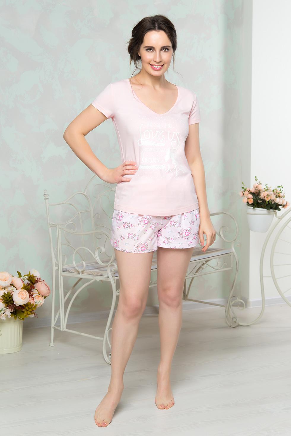Пижама женская Mia Cara: футболка, шорты, цвет: розовый. AW16-MCUZ-845. Размер 42/44AW16-MCUZ-845Пижама женская Mia Cara состоит из футболки и шорт. Модель выполнена из высококачественного хлопка с добавлением эластана. Футболка оформлена принтом с надписями, шорты - цветочным принтом.