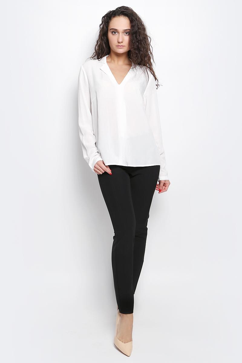 Блузка2032980.00.75_8210Женская блуза Tom Tailor Contemporary с длинными рукавами и V-образным вырезом горловины выполнена из натуральной вискозы. Блузка имеет свободный крой, манжеты рукавов застегиваются на пуговицы.