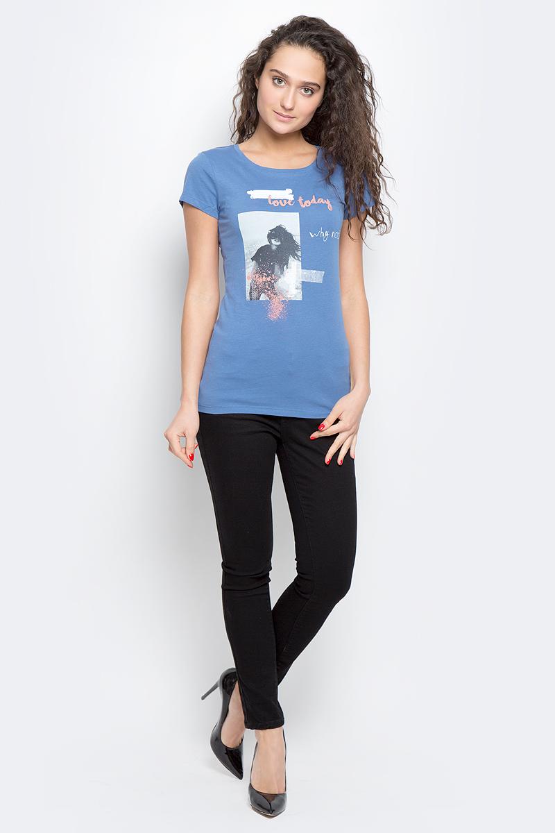 Футболка1037092.00.71_2220Стильная футболка Tom Tailor Denim выполнена из хлопка с добавлением вискозы. Модель с круглым вырезом горловины и короткими рукавами оформлена оригинальным принтом.