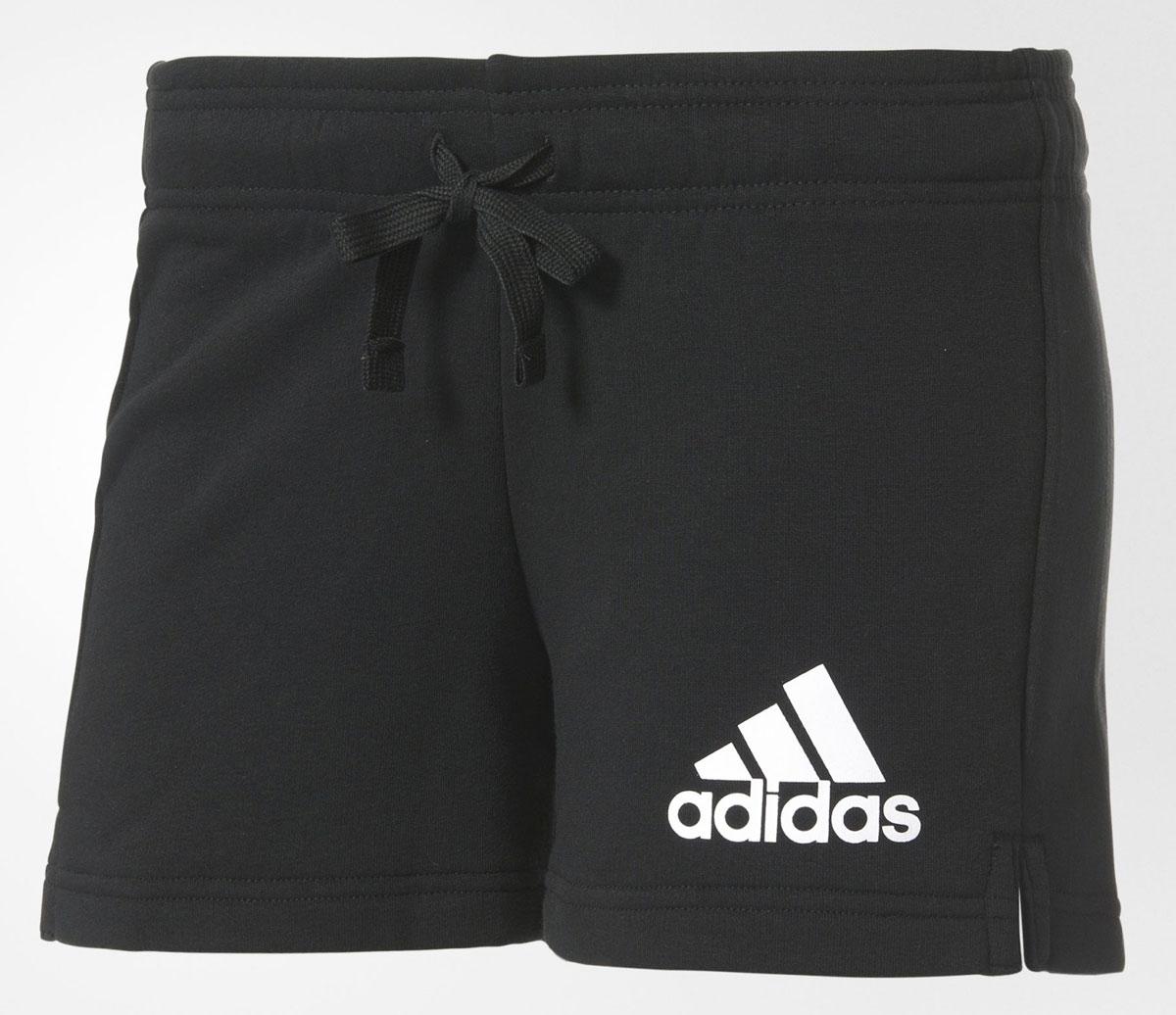 ШортыB45780Шорты женские adidas Ess Solid Short выполнены из хлопка с добавлением полиэстера. Дополнена модель эластичным поясом с затягивающимся шнурком.