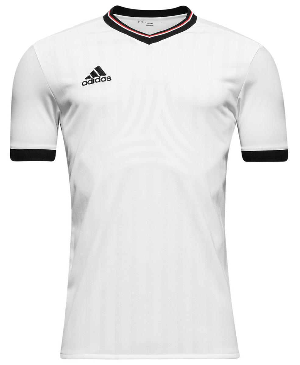ФутболкаAZ9741Мужская футболка adidas Tanc Jq Jsy выполнена из 100% полиэстера. Прекрасно подходит для интенсивных тренировок.