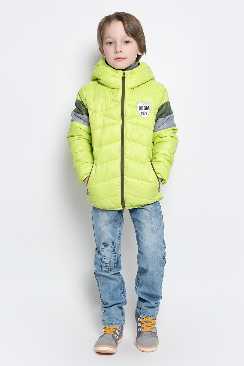 Куртка для мальчика Boom!, цвет: салатовый. 70035_BOB_вар.2. Размер 152, 11-12 лет70035_BOB_вар.2Стильная куртка для мальчика Boom! изготовлена из 100% полиэстера. Подкладка выполнена из полиэстера с добавлением вискозы. В качестве утеплителя используется эко-синтепон. Куртка с капюшоном застегивается на застежку-молнию и дополнительно имеет защиту подбородка и внутреннюю ветрозащитную планку. Изделие дополнено спереди двумя прорезными карманами на застежках-молниях. Нижняя часть спинки оформлена фирменной светоотражающей нашивкой для безопасности ребенка в темное время суток. Низ модели и рукавадополнены эластичной резинкой.