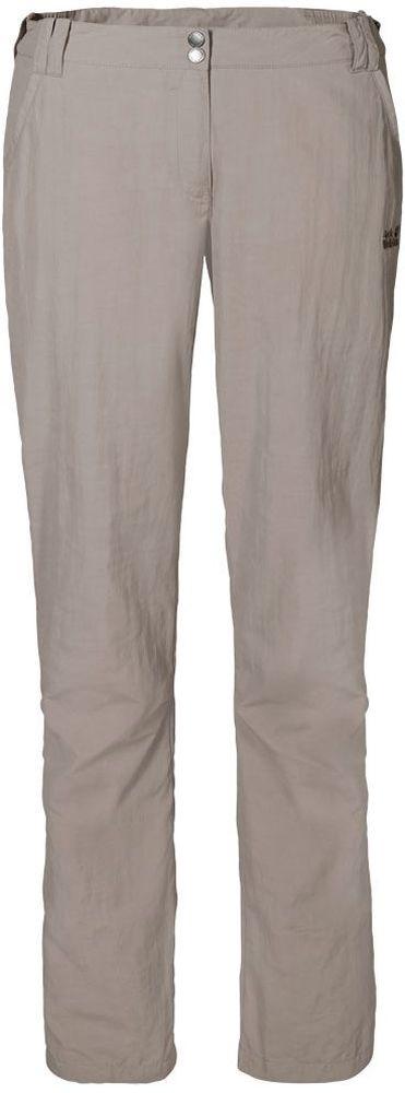 Брюки1503311-1010Брюки женские Kalahari Pants W выполнены из ткани SUPPLEX (100% полиамид). Брюки имеют множество преимуществ, особенно практичных в путешествии по жарким регионам: они легкие, защищают от ультрафиолетового излучения (UPF 40+) и упаковываются очень компактно. К тому же материал очень быстро сохнет. Модель застегивается на ширинку с молнией и пуговицу в поясе. Пояс дополнен шлевками для ремня. Брюки имеют два втачных кармана спереди и два втачных кармана сзади. Kalahari Pants W - сочетание нужных качеств для путешествий, летних походов и будней.