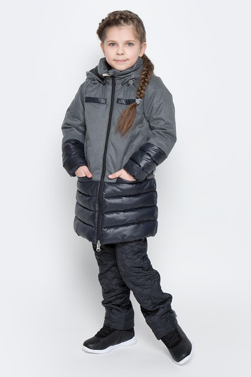 Пальто для девочки Boom!, цвет: серый, черный. 70006_BOG_вар.1. Размер 158, 11-12 лет70006_BOG_вар.1Пальто для девочки Boom! изготовлено из полиэстера, подкладка - из полиэстера с добавлением вискозы, утеплитель Flexy Fiber. Модель застегивается на молнию, спереди имеются два глубоких кармана и две декоративные планки. Съемный капюшон пристегивается на пуговицы. Капюшон оснащен резинкой-утяжкой со стопперами. Рукава снизу собраны на резинки.