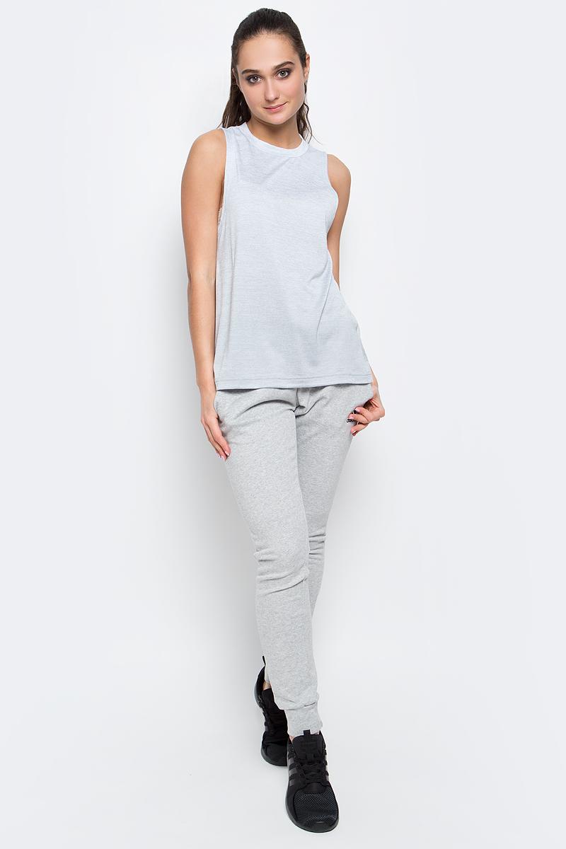 МайкаBQ2165Меланжевая майка Boxtank Mel от adidas выполнена из функциональной мягкой ткани с технологией climalite, которая эффективно отводит излишки влаги и тепла. У модели круглый ворот, разрезы по бокам и удлиненная спинка. Свободный крой и удлиненный фасон обеспечивает свободу движений и уверенность во время подтягиваний и тяги в наклоне.