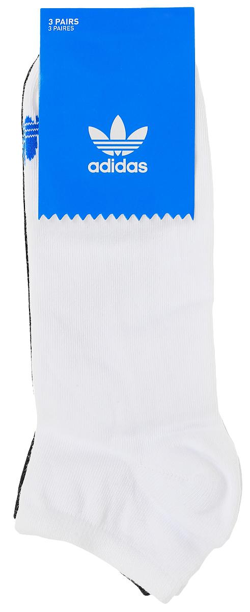 Комплект носковAB3889Носки adidas Trefoil Liner изготовлены из высококачественного эластичного хлопка с добавлением полиэстера и полиамида. Укороченные носки с укрепленным сводом стопы имеют эластичную резинку, которая надежно фиксирует носки на ноге. В комплект входят 3 пары носков разных цветов.