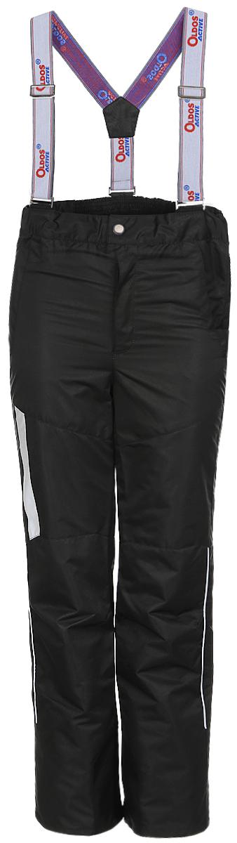 Брюки утепленные17/OA-3PT525-2Удобные и функциональные брюки для мальчика Oldos Active Макс идеально подойдут в прохладное время года. Брюки изготовлены из водоотталкивающей и ветрозащитной ткани. Внешнее покрытие Teflon отталкивает грязь и воду, продлевает срок службы изделия, а нанесенная с изнаночной стороны ткани мембрана 3000/3000 позволяет дышать - отводит излишнюю влагу наружу, поддерживая комфортную для тела ребенка атмосферу. Приятная к телу подкладка из качественного полиэстера дополнена по низу ветрозащитной муфтой с антискользящей резинкой. Легкие и не стесняющие движения брюки рассчитаны на температуру воздуха от 0° С до +15°С. Удобные и функциональные брюки прямого покроя застегиваются на кнопку и липучку в поясе, а также имеют ширинку на застежке-молнии. Сзади на поясе предусмотрена широкая резинка. Съемные эластичные наплечные лямки регулируются по длине и крепятся к поясу. Спереди находятся два втачных кармашка на застежках-молниях. Светоотражающие элементы не...