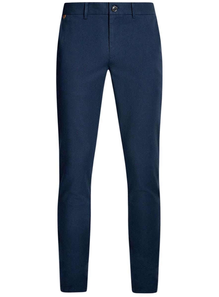 Брюки2L150096M/46242N/7975OМужские брюки oodji Lab выполнены из высококачественного материала. Модель стандартной посадки застегивается на пуговицу в поясе и ширинку на застежке-молнии. Пояс имеет шлевки для ремня. Спереди брюки дополнены втачными карманами, сзади - прорезными.