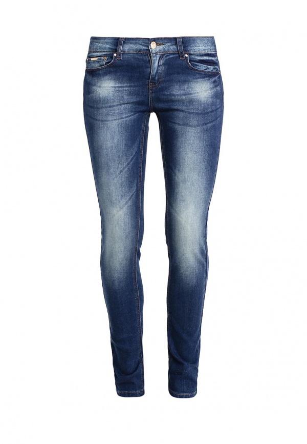 Джинсы женские Sela Denim, цвет: темно-синий джинс. PJ-135/598-7161. Размер 26-32 (42-32)PJ-135/598-7161Стильные джинсы Sela, изготовленные из качественного хлопкового материала с потертостями, станут отличным дополнением вашего гардероба. Джинсы зауженного кроя и стандартной посадки на талии застегиваются на застежку-молнию и пуговицу. На поясе имеются шлевки для ремня. Модель представляет собой классическую пятикарманку: два втачных и накладной карманы спереди и два накладных кармана сзади.