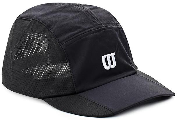 БейсболкаWR5004005Бейсболка Wilson является отличным аксессуаром для занятий спортом. Удобная и практичная, она обеспечит вам надежную защиту от неблагоприятных погодных условий. Вентиляционные отверстия и эластичный край для комфортной посадки.