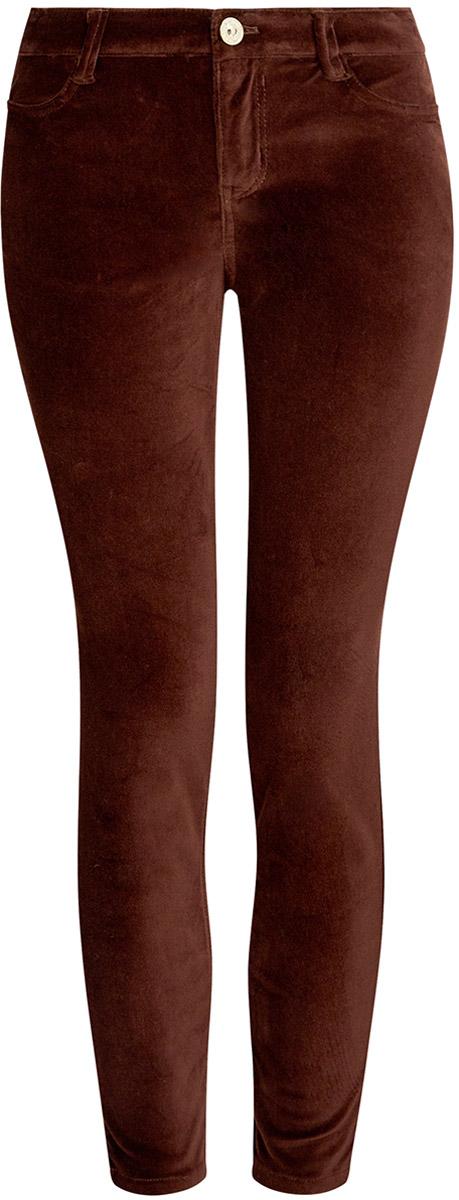 Брюки11703094/33099/2900NСтильные женские брюки oodji выполнены из хлопка с небольшим добавлением полиуретана. Модель со средней посадкой застегивается на молнию и пуговицу в поясе, имеются шлевки для ремня. Спереди изделие дополнено двумя втачными карманами, сзади двумя накладными карманами.