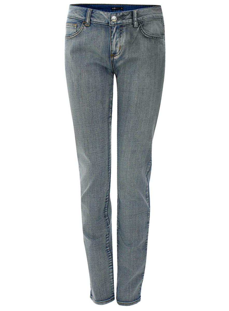 Джинсы22103040/15906/7000WЖенские джинсы oodji Collection выполнены из высококачественного материала. Модель средней посадки по поясу застегивается на пуговицу и имеют ширинку на застежке-молнии, а также шлевки для ремня. Джинсы имеют спереди - два втачных кармана, а сзади - два накладных кармана.