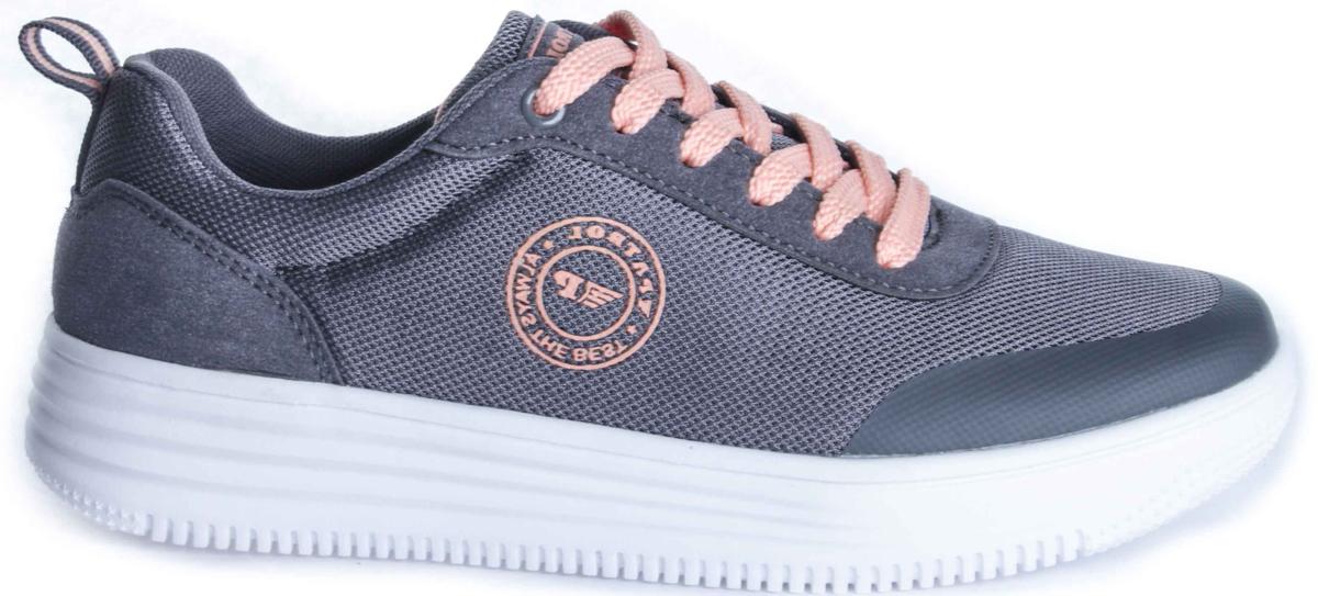 Кроссовки263-009T-17s-8/01-5Удобные и легкие женские кроссовки от Patrol прекрасно подойдут для активного отдыха и на каждый день. Верх модели выполнен из сетчатого текстиля и искусственной кожи и оформлен эмблемой с названием бренда. Шнуровка на подъеме надежно зафиксирует обувь на ноге. Внутренняя поверхность и стелька выполнены из текстиля. Мягкая подошва из пенопропилена с рельефным рисунком обеспечивает отличное сцепление с любыми поверхностями. Такие кроссовки займут достойное место среди коллекции вашей обуви.