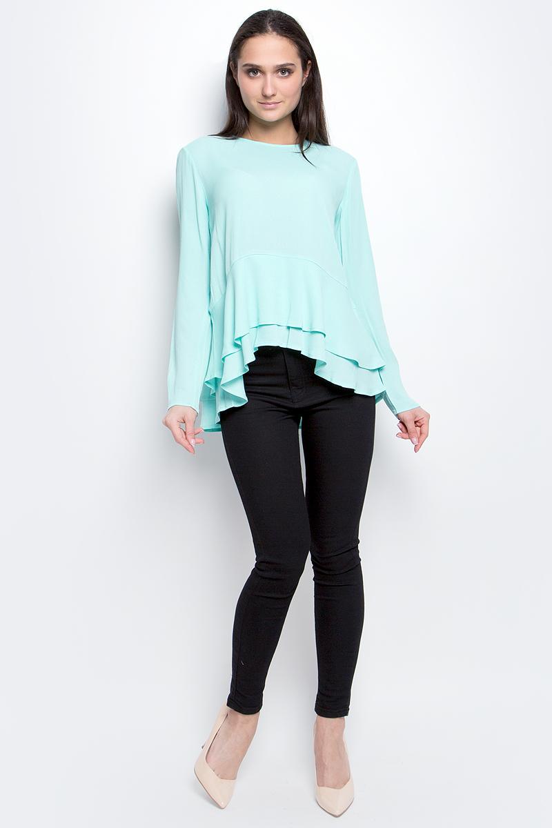БлузкаB177005_Ice GreenЖенская блузка Baon выполнена из 100% вискозы. Модель с круглым вырезом горловины и длинными рукавами сзади застегивается на пуговицу. Понизу изделие дополнено оборками.