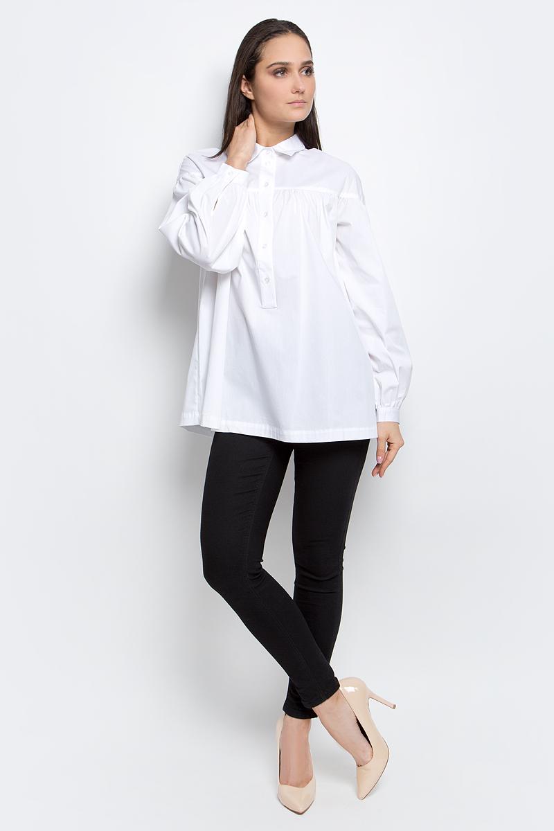 РубашкаB177025_WhiteЖенская рубашка Baon выполнена из хлопка с добавлением полиамида и эластана. Модель с отложным воротником и длинными рукавами застегивается на пуговицы.