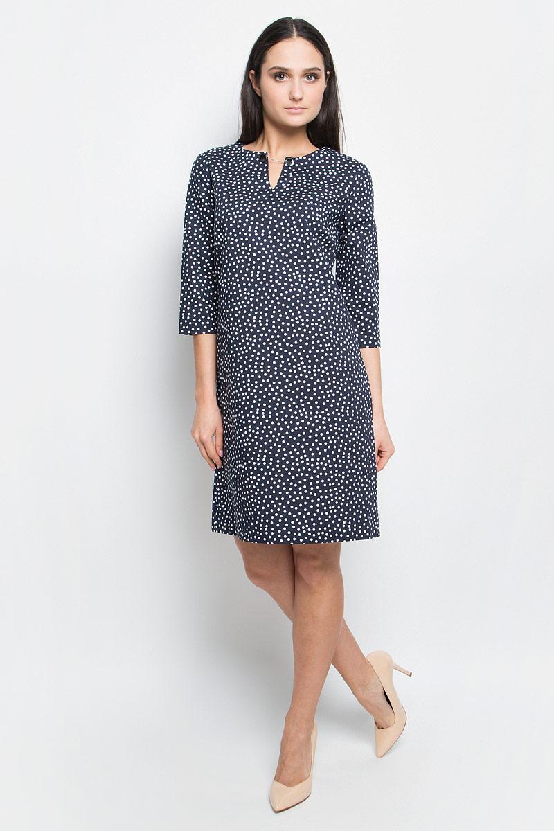 ПлатьеB457023_Dark Navy PrintedСтильное платье Baon выполнено из хлопка с добавлением эластана. Модель с круглым вырезом горловины и рукавами 3/4 сзади застегивается на молнию. Изделие оформлено принтом в горох.