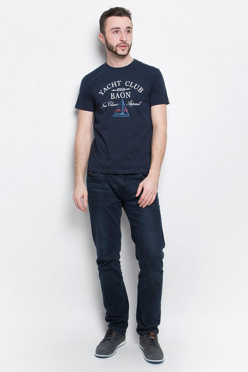 Футболка мужская Baon, цвет: темно-синий. B737001. Размер L (50)B737001_Deep NavyМужская футболка Baon выполнена из хлопковой ткани и оформлена оригинальным принтом. У модели круглый вырез горловины и стандартные короткие рукава.