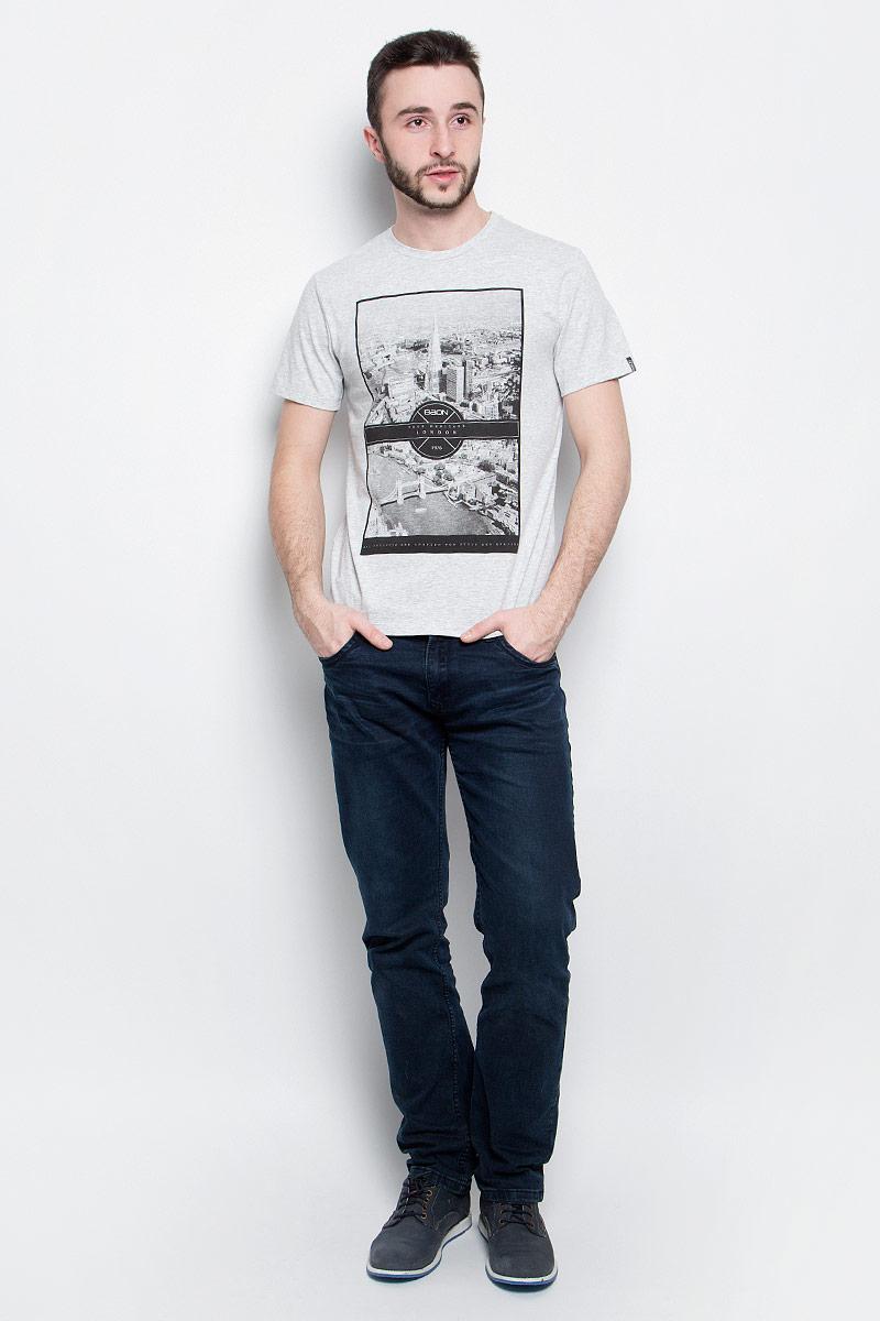 ФутболкаB737012_Silver MelangeМужская футболка Baon выполнена из хлопковой ткани и оформлена оригинальным принтом. У модели круглый вырез горловины и стандартные короткие рукава.