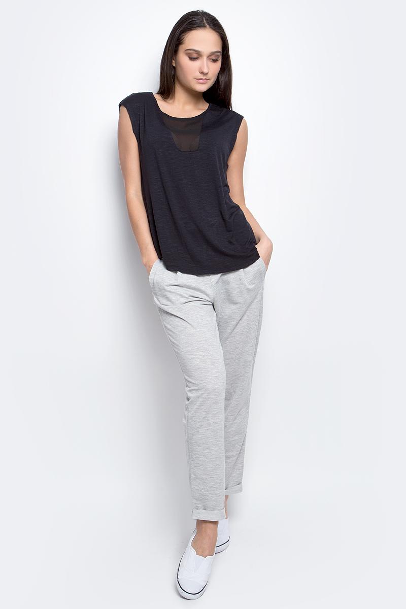 ТопB237003_BlackТоп женский Baon выполнен из эластичной ткани. Модель с круглым вырезом горловины и удлиненной спинкой. Изделие оформлено полупрозрачными вставками.