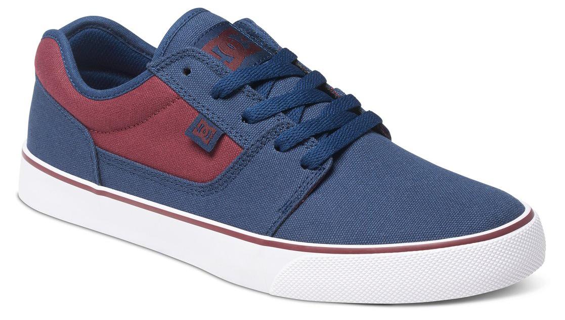 Кеды мужские DC Shoes Tonik TX, цвет: синий, бордовый. 303111-410. Размер 7,5D (40)303111-410Стильные мужские кеды DC Shoes Tonik TX - отличный вариант на каждый день.Модель выполнена из текстиля. Шнуровка надежно фиксирует обувь на ноге. Резиновая подошва с протектором гарантирует отличное сцепление с поверхностью. В таких кедах вашим ногам будет комфортно и уютно.