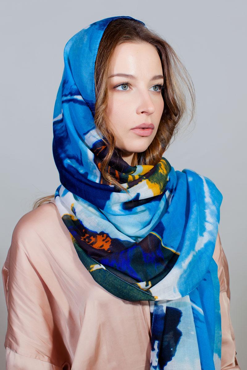 ПалантинYY-11733-12Стильный палантин Sophie Ramage изготовлен из модала и шелка. Изделие оформлено оригинальным принтом.