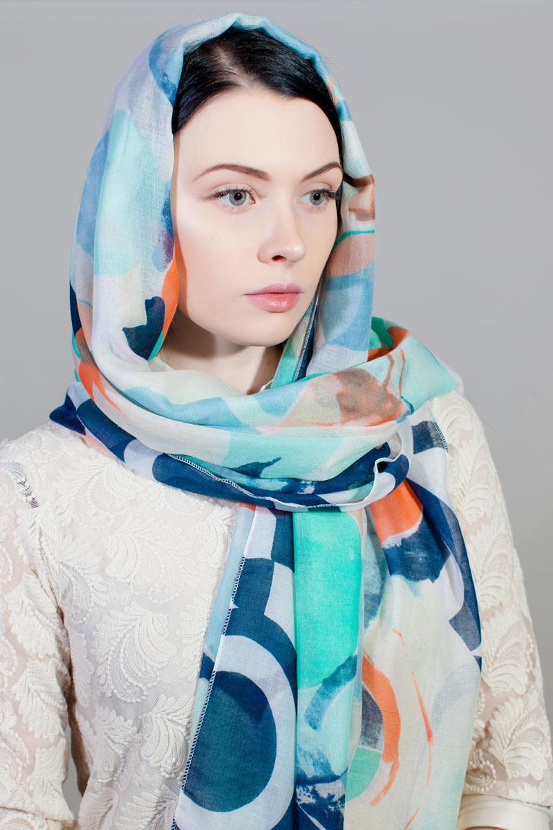 Палантин Sophie Ramage, цвет: белый, синий, оранжевый. YY-11733-18. Размер 80 см х 180 смYY-11733-18Стильный палантин Sophie Ramage изготовлен из шелка и полиэстера. Изделие оформлено оригинальным принтом.