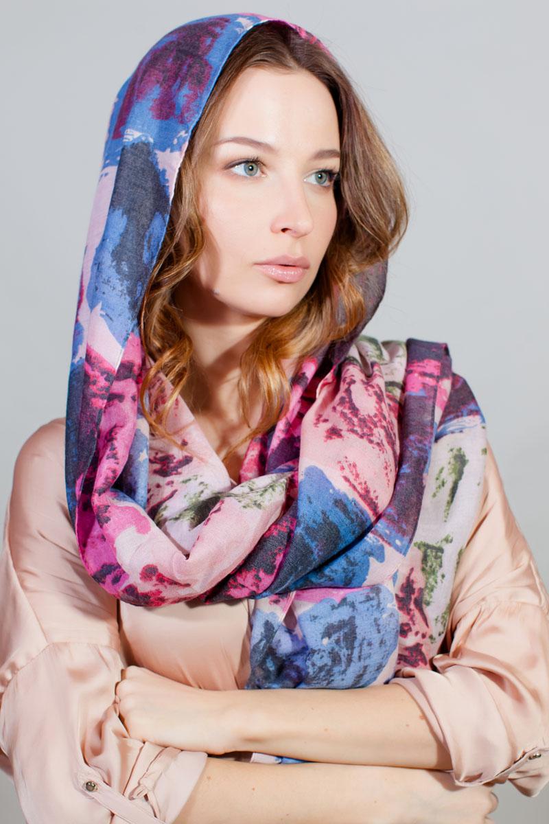 ПалантинYY-11731-14Стильный палантин Sophie Ramage изготовлен из модала и шелка. Изделие оформлено оригинальным принтом.