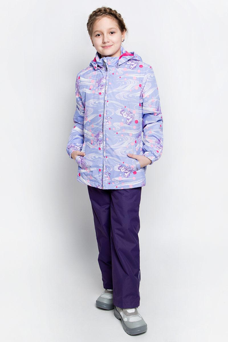 Комплект верхней одежды для девочки Huppa Yonne 1: куртка, брюки, цвет: светло-лиловый, фиолетовый. 41260104-71143. Размер 152, 11-13 лет41260104-71143Костюм для девочки Huppa Yonne 1 состоит из куртки и брюк. Костюм выполнен из 100% полиэстера с высокими показателями износостойкости. Ткань с обратной стороны покрыта слоем полиуретана с микропорами (мембрана), который препятствует прохождению влаги и ветра внутрь изделия. Для максимальной влагонепроницаемости швы проклеены водостойкой лентой. Подкладка костюма выполнена из гладкой тафты. Высокотехнологичный легкий синтетический утеплитель имеет уникальную структуру микроволокон, которые не позволяют проникнуть внутрь холодному воздуху, в то же время удерживают теплый между волокнами и обеспечивают высокую теплоизоляцию. Куртка имеет застежку-молнию с защитой подбородка от прищемления, отстегивающийся капюшон, прорезные открытые карманы. Талия, манжеты рукавов и край капюшона снабжены эластичными резинками. Брюки закрываются на застежку-молнию и пуговицу в поясе, эластичные подтяжки регулируемой длины легко снимаются, талия снабжена резинкой для плотного прилегания, низ брючин также регулируется. На изделиях присутствуют светоотражательные элементы для безопасности в темное время суток.