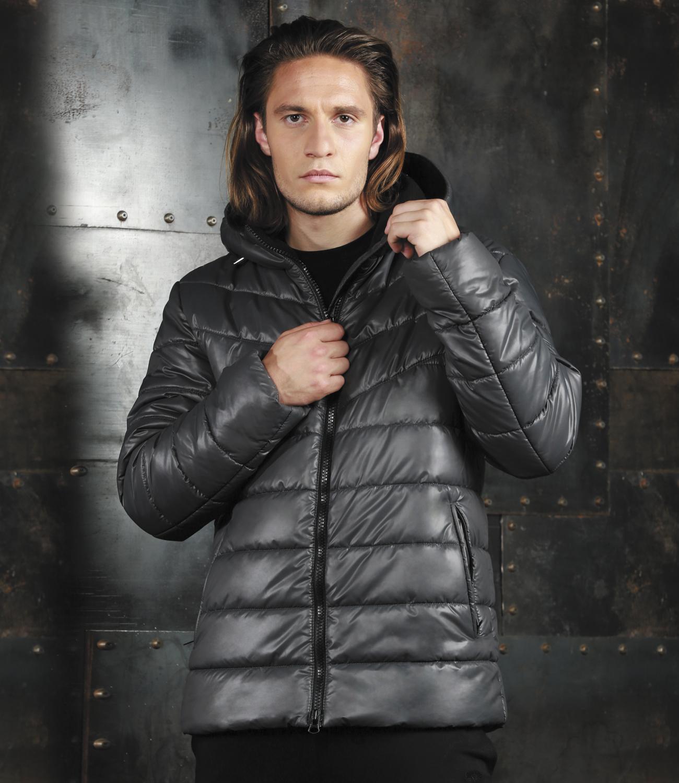 Куртка мужская Grishko, цвет: черный. AL-2972. Размер 48AL-2972Модная универсальная куртка Grishko с застежкой на молнию и закрытым глубоким капюшоном, снабженным фиксаторами, дополнительно защищающим от непогоды, - незаменимая модель в холодную осеннюю погоду. Куртка дополнена двумя боковыми втачными карманами на молнии и внутренним карманом. Утеплитель - 100% микрофайбер - это утеплитель нового поколения, который отличается повышенной теплоизоляцией, антибактериальными свойствами, долговечностью в использовании и необычайно легок в носке и уходе.