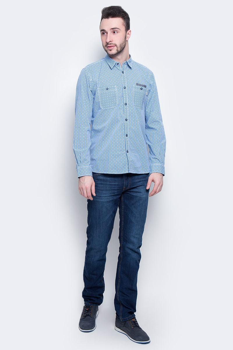 Рубашка2032971.00.10_6157Стильная мужская рубашка Tom Tailor изготовлена из натурального 100% хлопка. Она мягкая и приятная на ощупь, не сковывает движения и позволяет коже дышать, обеспечивая наибольший комфорт. Рубашка с отложным воротником и длинными рукавами застегивается на пуговицы. Манжеты рукавов и воротник застегиваются на кнопки. Спереди на груди расположены два накладных кармана на пуговице. Рубашка дополнена принтом в мелкую клетку.