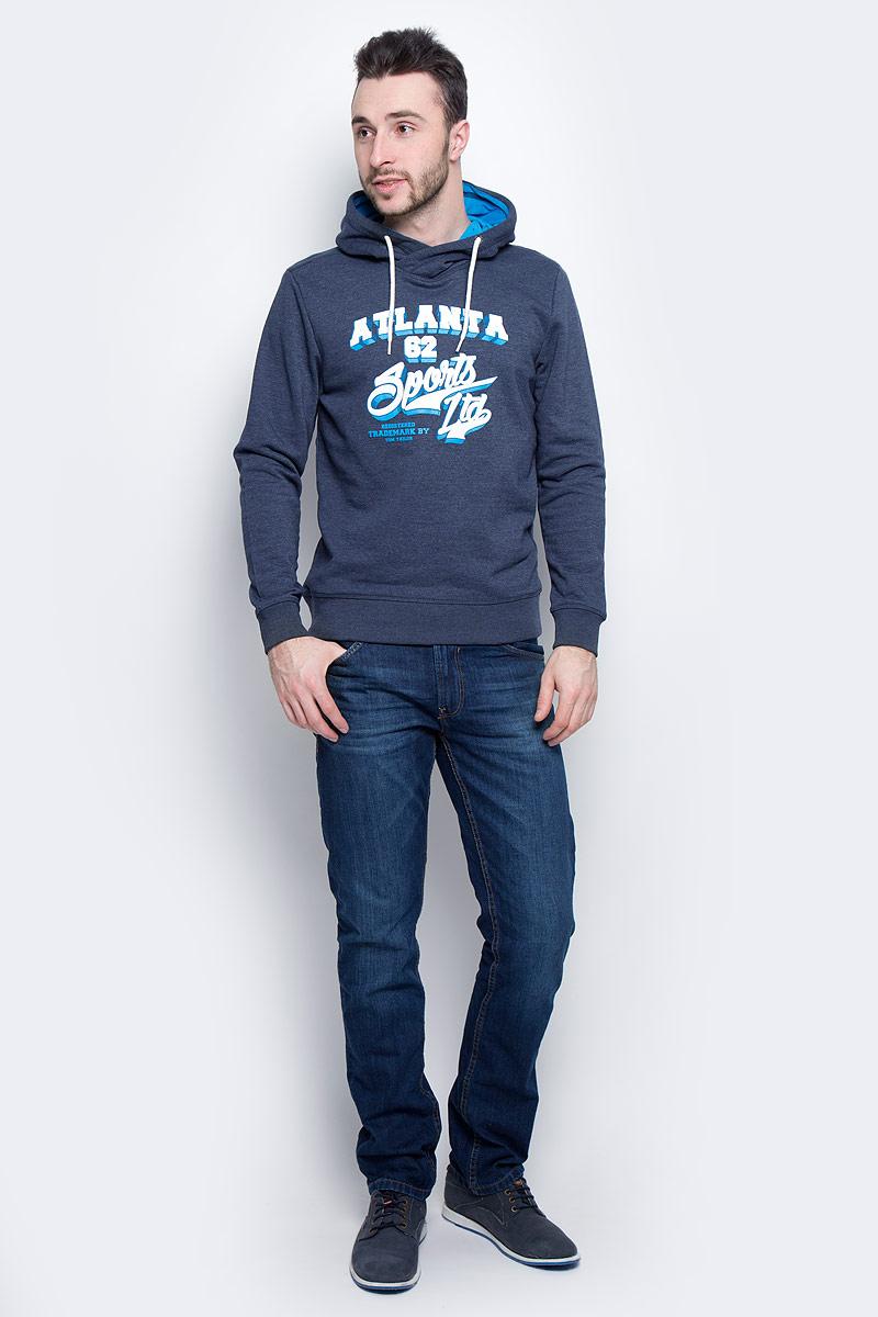 Толстовка мужская Tom Tailor, цвет: синий. 2530933.00.10_6740. Размер L (50)2530933.00.10_6740Мужская толстовка Tom Tailor с длинными рукавами и капюшоном изготовлена из хлопка с добавлением полиэстера.Объем капюшона регулируется при помощи шнурка-кулиски. Толстовка украшена принтом с логотипом бренда на груди. Низ и рукава изделия дополнены широкими эластичными манжетами.