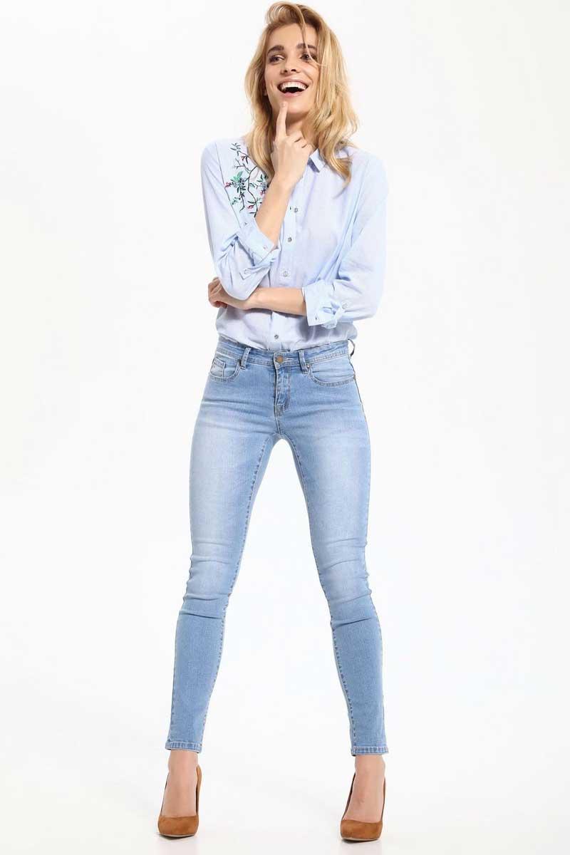 Джинсы женские Top Secret, цвет: голубой. SSP2432BL. Размер 38 (46)SSP2432BLСтильные женские джинсы Top Secret - джинсы высочайшего качества на каждый день, которые прекрасно сидят. Модель изготовлена из высококачественного комбинированного материала. Эти модные и в тоже время комфортные джинсы послужат отличным дополнением к вашему гардеробу. В них вы всегда будете чувствовать себя уютно и комфортно.