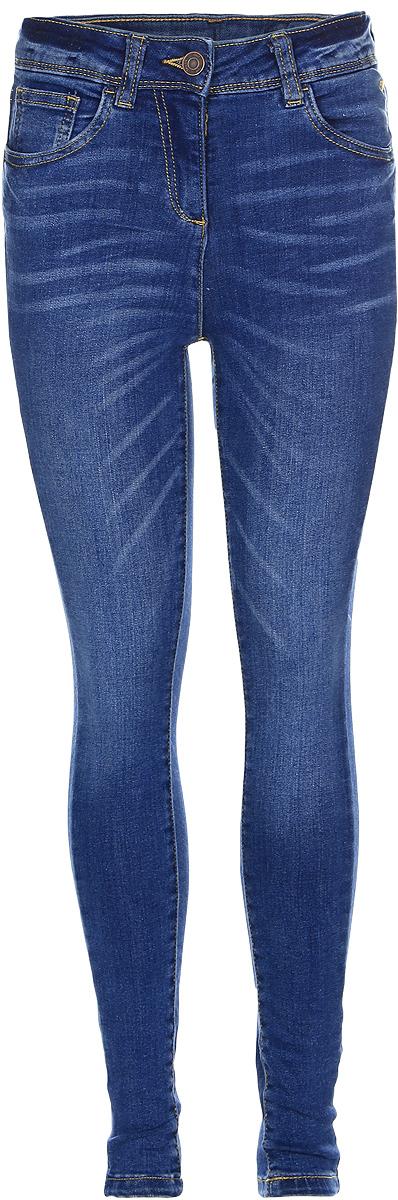 Джинсы для девочки Tom Tailor, цвет: синий джинс. 6205481.00.40_1000. Размер 1466205481.00.40_1000Стильные джинсы для девочки Tom Tailor, изготовленные из эластичного хлопка, они необычайно мягкие и приятные на ощупь, не сковывают движения малышки и позволяют коже дышать.Джинсы-дудочки с завышенной талией застегиваются на металлическую пуговицу, также имеются шлевки для ремня и ширинка на металлической застежке-молнии. С внутренней стороны пояс регулируется резинкой на пуговицах. Модель спереди дополнена двумя втачными и одним маленьким накладным кармашком, а сзади - двумя накладными карманами.