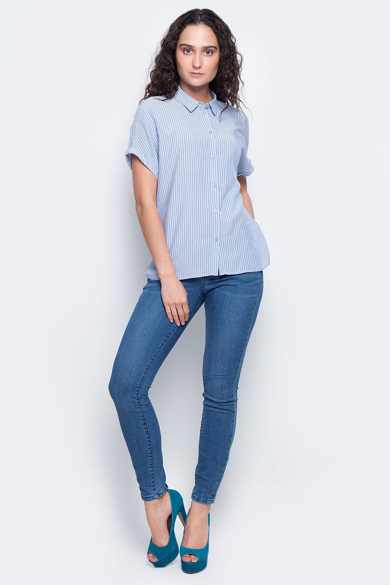 Блузка2032850.09.75_6877Удобная женская блузка Tom Tailor Contemporary изготовлена из натуральной вискозы. Модель с отложным воротником и короткими цельнокроеными рукавами застегивается спереди на пуговицы. Оформлена блузка принтом в полоску. По спинке изделие немного удлинено.