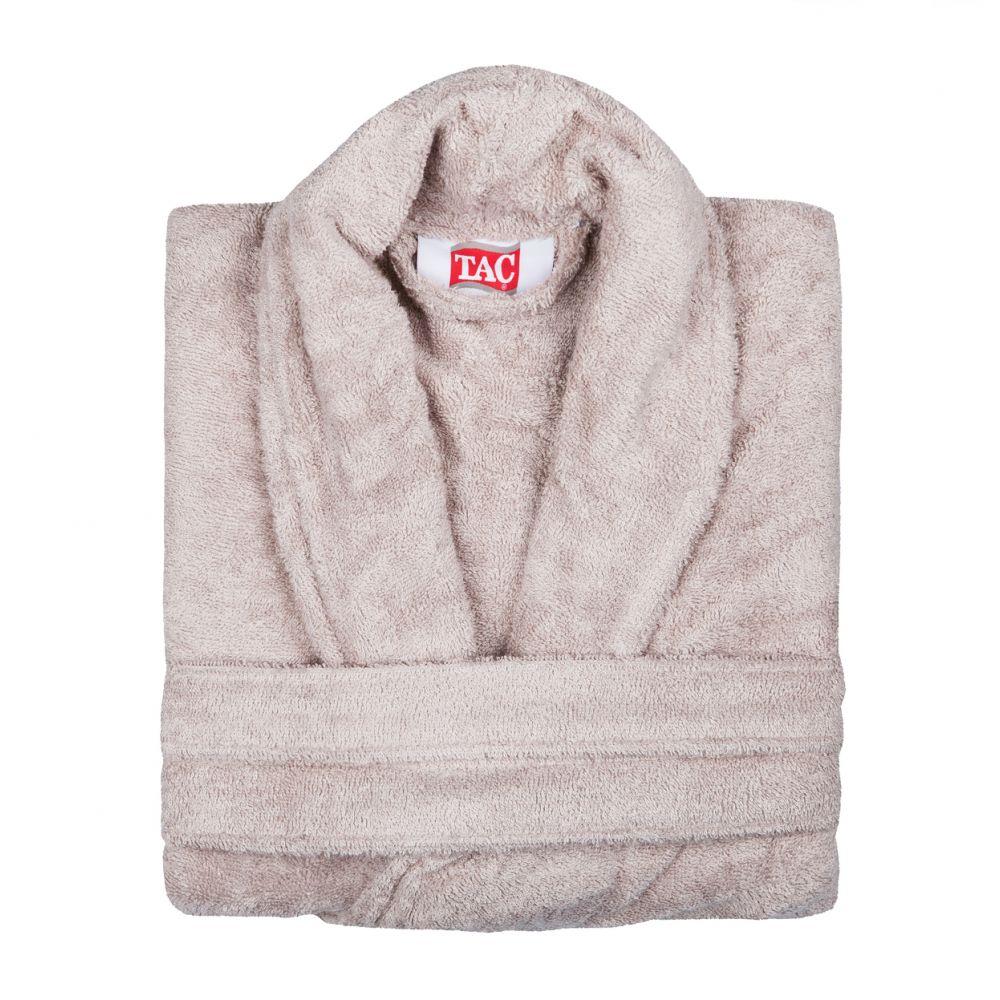Халат2999-896Халат TAC с воротником шаль выполнен из плотной бархатистой ткани - смеси хлопка и бамбукового волокна. Халат с запахом на поясе имеет два накладных кармана. Отлично впитывает влагу, пропускает воздух и прост в уходе. Удобен как в носке дома постоянно, так и в эксплуатации после приема ванны или душа. Мягкий пояс прилагается.