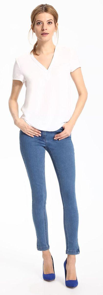 БлузкаSBK2217BIБлузка женская Top Secret выполнена из полиэстера. Модель с V-образным вырезом горловины и короткими рукавами.