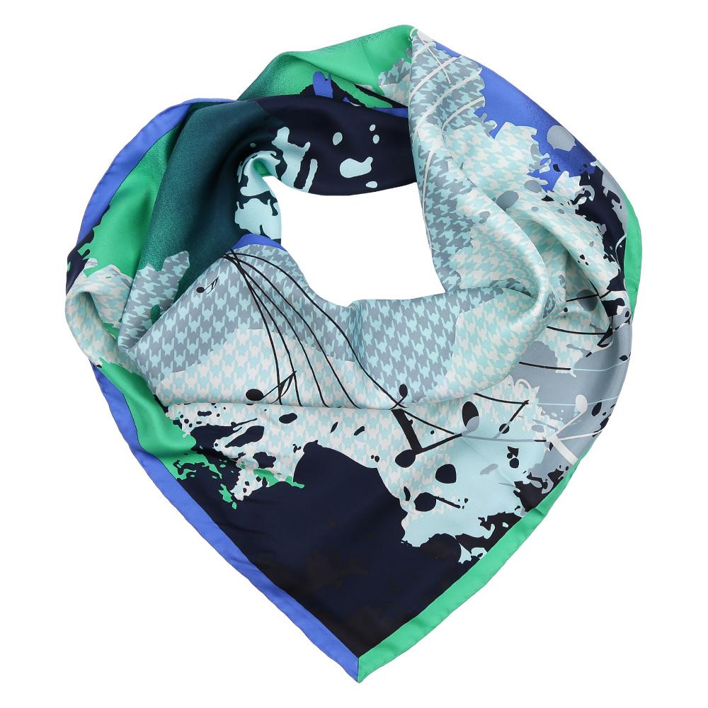ПлатокCX1617-26-2Изысканный женский платок Fabretti выполнен из натурального шелка, который придает изделию неповторимый роскошный блеск и гладкость фактуры. Тонкая и прочная нить, создающая струящуюся ткать, подчеркнет изысканный вкус своей обладательницы.