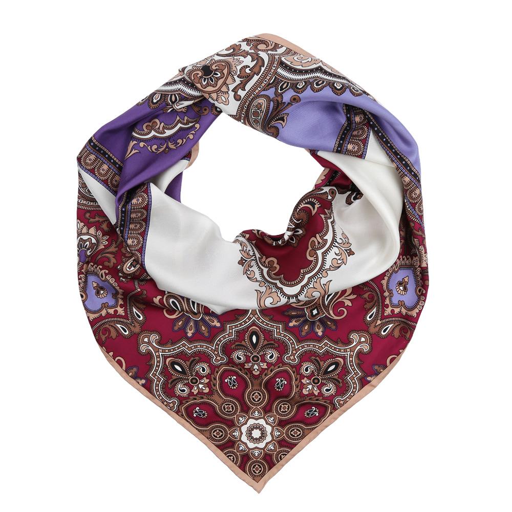 ПлатокCX1617-21-2Изысканный женский платок Leo Ventoni выполнен из натурального шелка, который придает изделию неповторимый роскошный блеск и гладкость фактуры. Тонкая и прочная нить, создающая струящуюся ткать, подчеркнет изысканный вкус своей обладательницы.