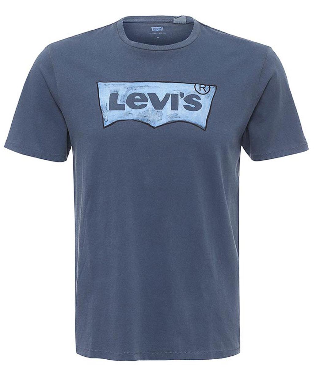 Футболка2248900330Футболка с принтом Levis® прямого покроя с круглым вырезом горловины. У модели имеется эффект состаренного изделия. на груди расположен крупный принт в виде логотипа Levis.