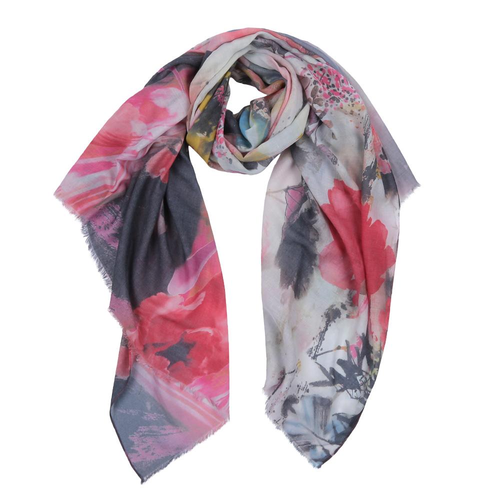 ШарфF1539-1Элегантный женский шарф от итальянского бренда Fabretti имеет неповторимую мягкость и легкость фактуры. Красочное сочетание цветов позволило дизайнерам создать изысканную модель, которая станет изюминкой любого весеннего образа.