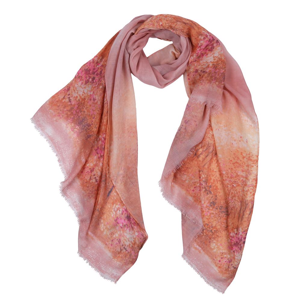 ШарфF1532-1Элегантный женский шарф от итальянского бренда Fabretti имеет неповторимую мягкость и легкость фактуры. Красочное сочетание цветов позволило дизайнерам создать изысканную модель, которая станет изюминкой любого весеннего образа.