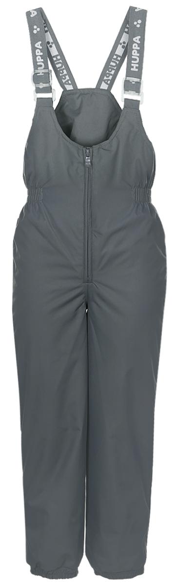 Брюки утепленные детские Huppa Neo, цвет: серый. 26460004-00048. Размер 8626460004-00048Утепленные детские брюки Huppa Neo с завышенной грудкой выполнены из износостойкого полиэстера. В качестве подкладки и утеплителя используется качественный полиэстер.Брюки застегиваются на высокую пластиковую молнию, на талии имеется вшитая эластичная резинка. Брюки оснащены несъемными резиновыми подтяжками, длину которых можно регулировать. По низу брючин предусмотрены вшитые резинки и специальные держатели из мягкого пластика, которые можно отстегивать. Изделие дополнено светоотражающими элементами.