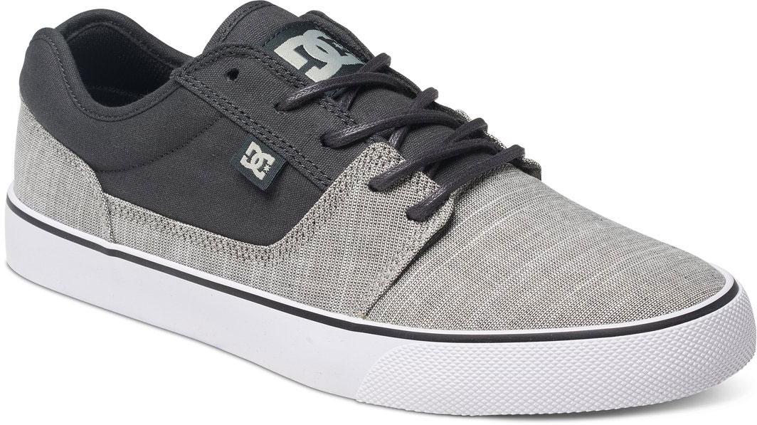 КедыADYS300046-011Стильные мужские кеды DC Shoes Tonik TX SE - отличный вариант на каждый день. Модель выполнена из текстиля. Шнуровка надежно фиксирует обувь на ноге. Резиновая подошва с протектором гарантирует отличное сцепление с поверхностью. В таких кедах вашим ногам будет комфортно и уютно.