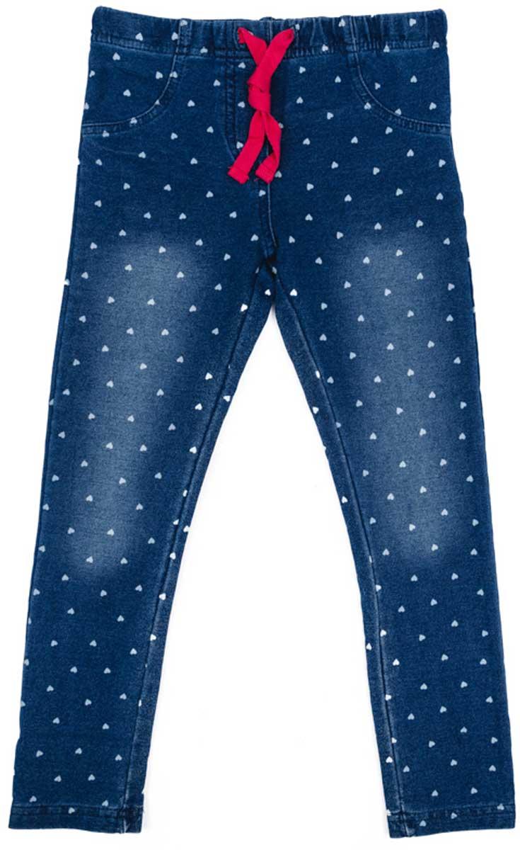 Брюки для девочки PlayToday, цвет: синий. 172013. Размер 104172013Брюки джинсы с эффектом потертости прекрасно подойдут вашему ребенку для отдыха и прогулок. Модель на мягкой резинке, дополнительно снабжена шнуром - кулиской, можно регулировать ширину брюк по талии. Мягкая ткань не сковывает движений ребенка. Могут быть хорошей базовой вещью в детском гардеробе.